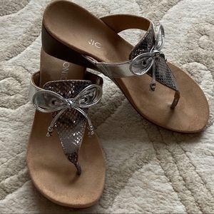 Vionic Della T Strap Sandals Silver w/Bow 8
